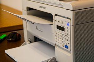 Laserdrucker im Großraumbüro