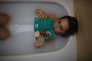 Badewanne gemütlich
